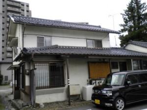 大手 一戸建て貸家 少し古いが広さで合格です。松本駅に近いです。