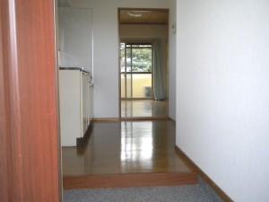 スカイコート・旭 302号室 (信大・コンビニ近く。インターネット無料。)